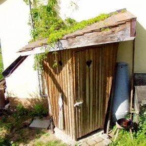 Die Gartentoilette