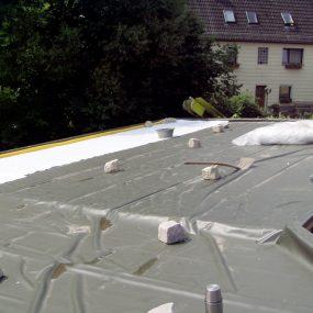 Ausgelegte und verschweißte Dachfolie