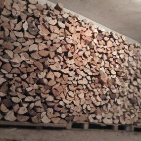Holzlager im Keller