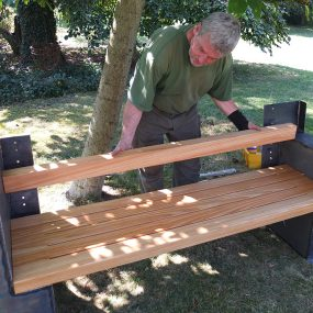 Aufbau der Gartenbank